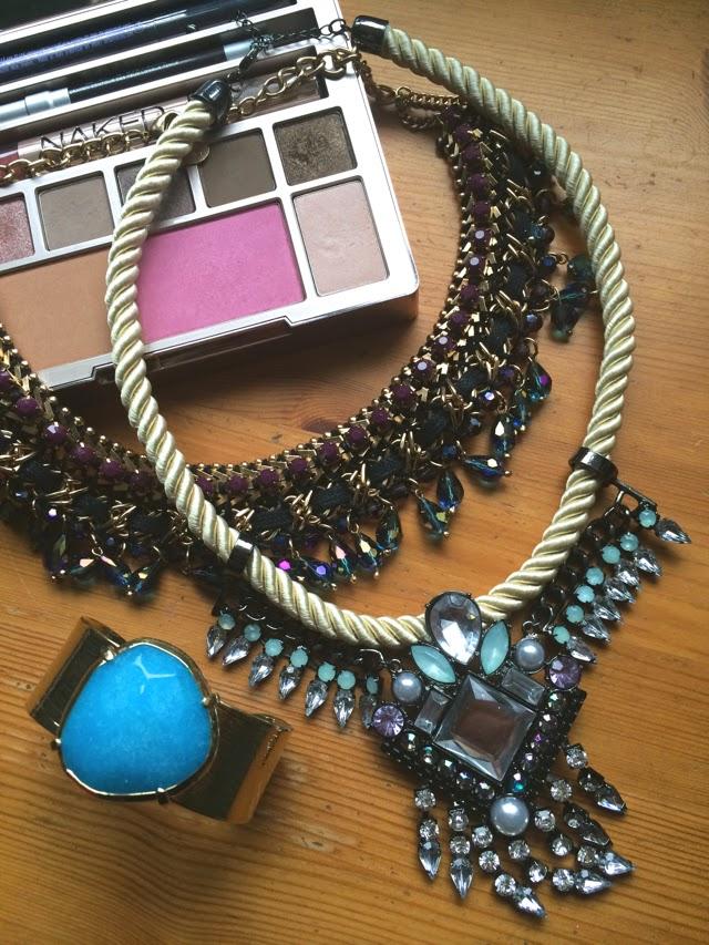 birthday-jewels-desk