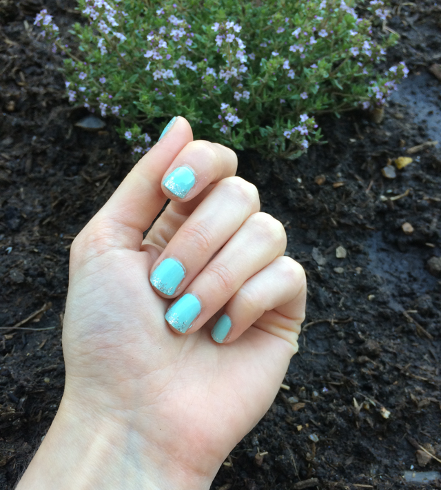 Peppermint Nails with a Touch of Glitter