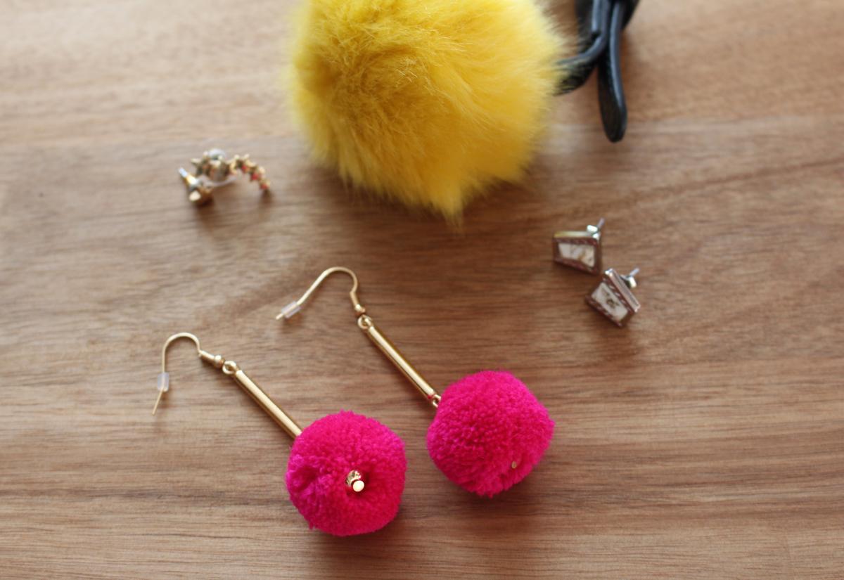 pom-pom-earrings