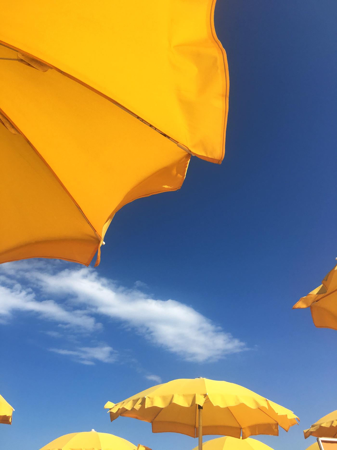 beach sun brollies
