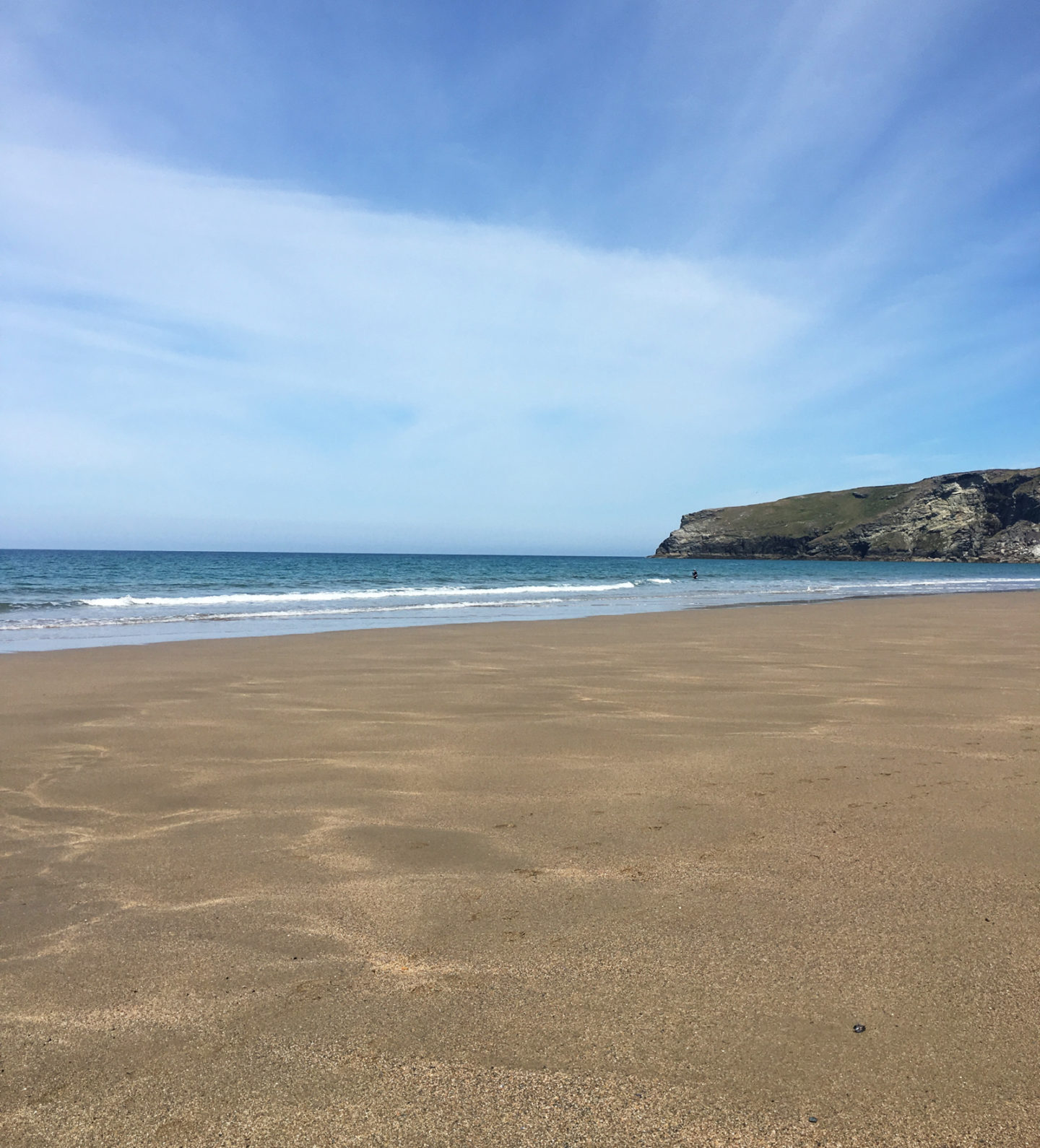 Trebarwith Strand beach